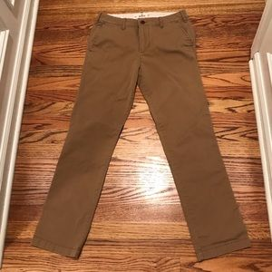 NWOT Hollister Slim Straight Chino Jeans